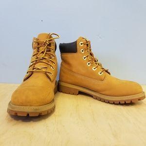 "Timberland Yth 6"" Classic Boots fits Women sz 8"
